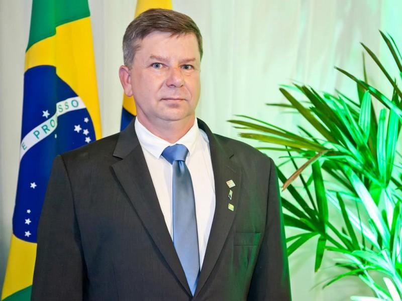 Empresário Gilmar Sadloski assume a presidência da AEI e CDL para Gestão 2019/2020